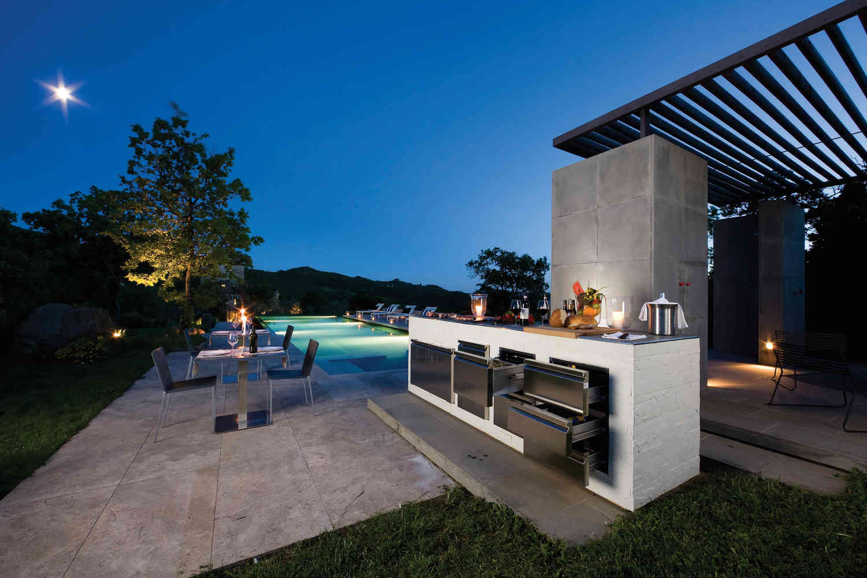 Mercasur estepona cer mica para piscinas mercasur estepona for Hoteles con piscinas naturales