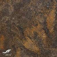 marmol marron con tonos de colores oxidados