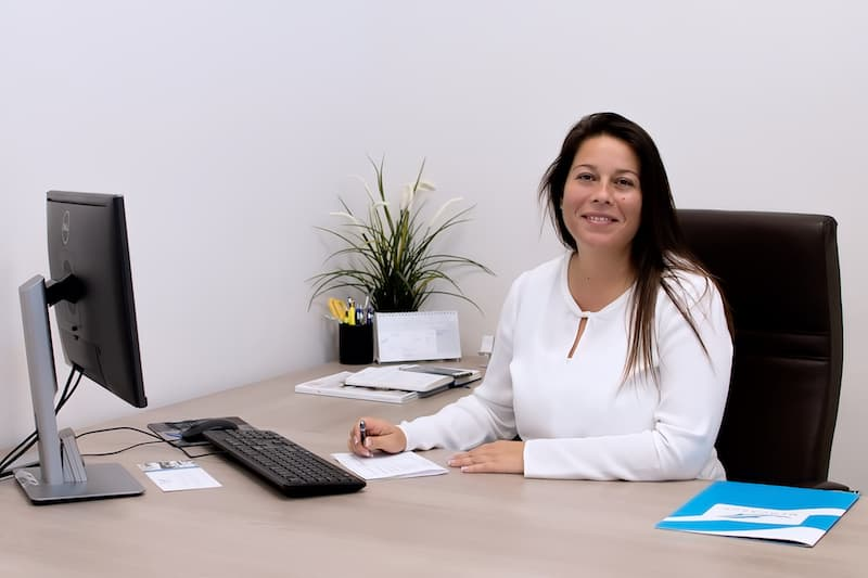 gerente de Mercasur Estepona en su despacho