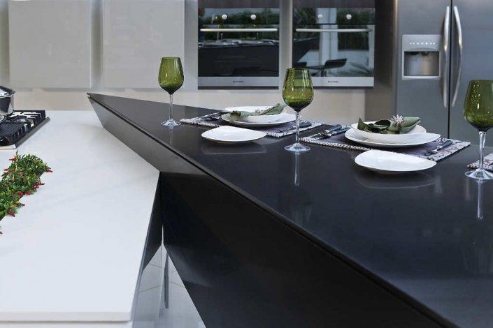 Mesas de silestone mercasur estepona mercasur estepona for Mesa cocina silestone