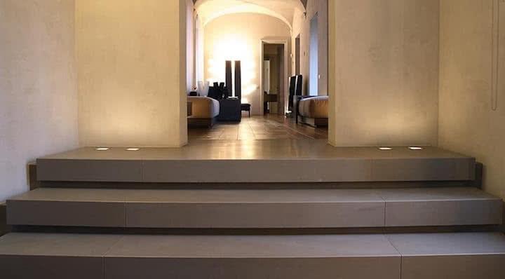escaleras de piedra cuarcita de color gris pacifico